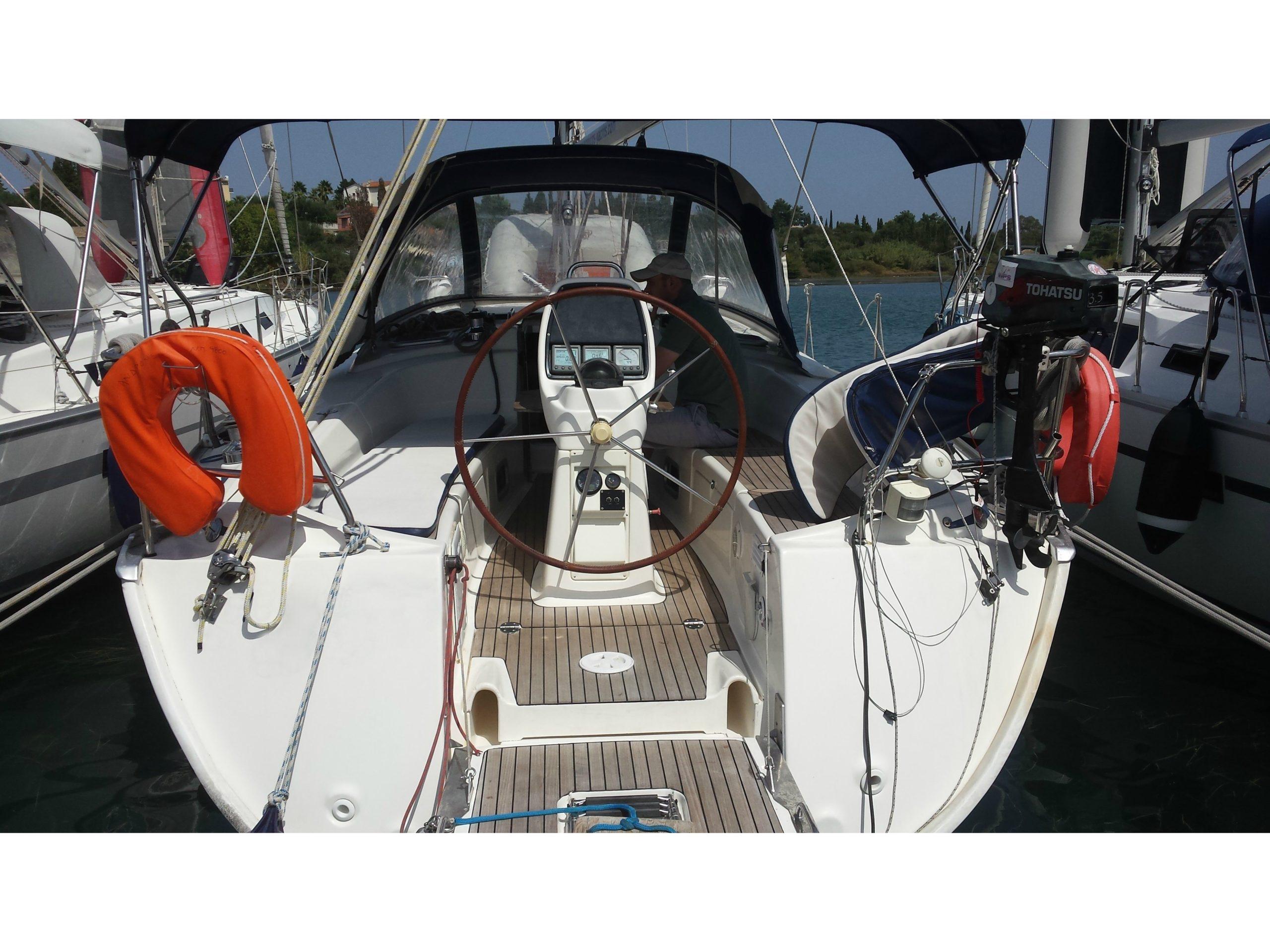 Bavaria 38 Cruiser – 3 Cabins
